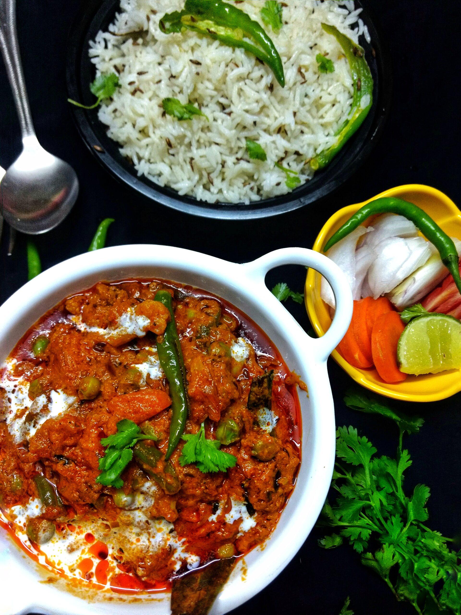 <b>Veg Kholapuri recipe- Restaurant style at home</b>